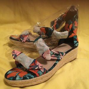 Shoes/Sandals/Wedges